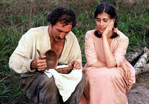 A Marvada Carne, de André Klotzel, ostenta o título de filme mais celebrado na história do Festival de Cinema de Gramado com 12 prêmios